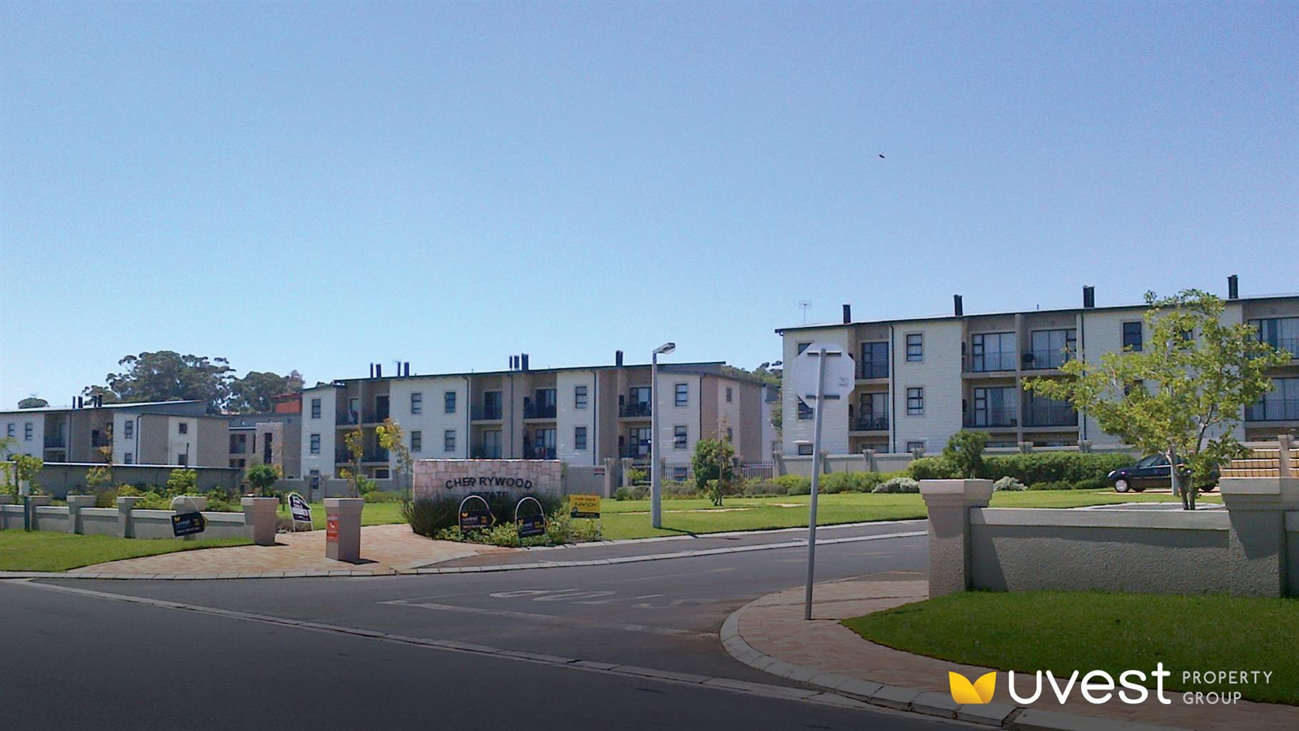 SPECIAL OFFER OF ONE MONTH DEPOSIT AND REDUCED RENT FOR 2 BEDROOM APARTMENT, CHERRYWOOD ESTATE, SONSTRAAL HEIGHTS