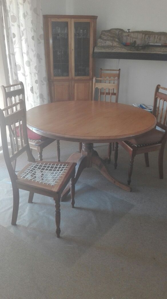 R 6 500 For Sale Solid Yellow Wood Round Dining Room