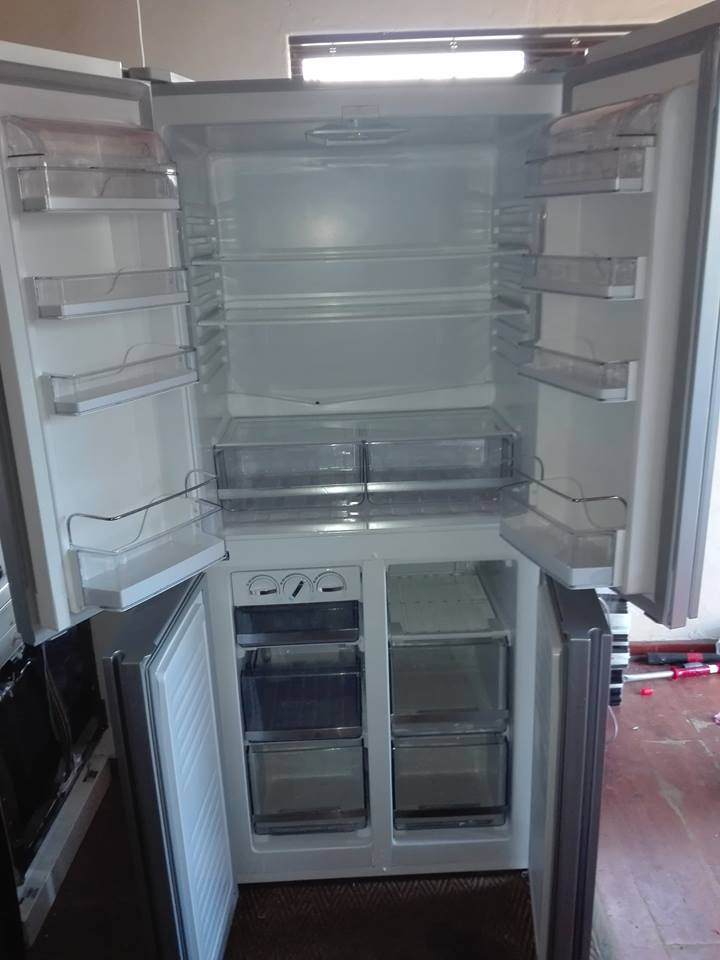 Gray fridge/freezer