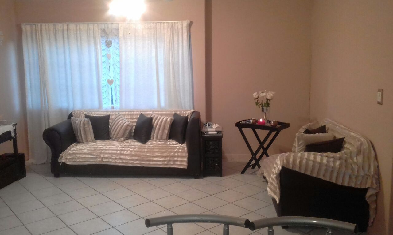 Centurion 2 bedroom unit in cluster to let