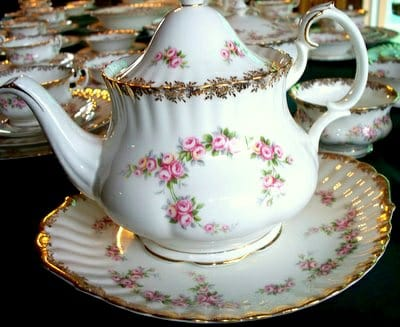 PLEASE SELL YOUR ROYAL ALBERT TO ME