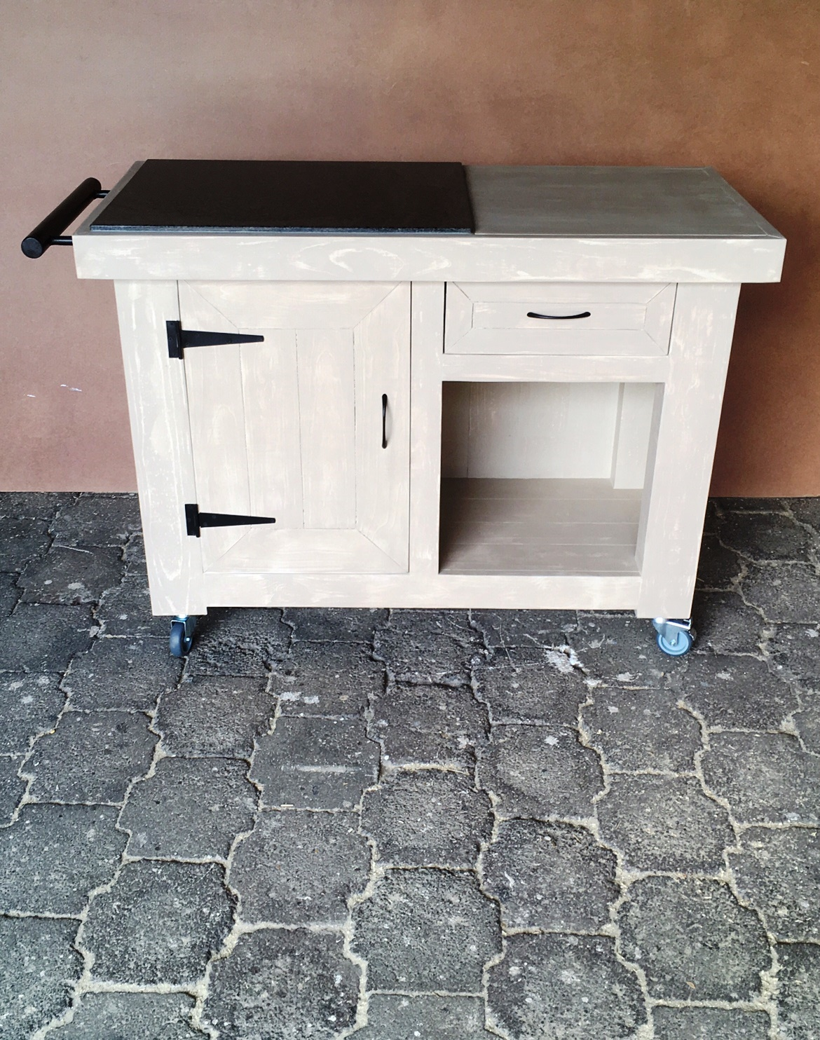 Butchers Block Farmhouse Executive series 1200 with drawer Glazed