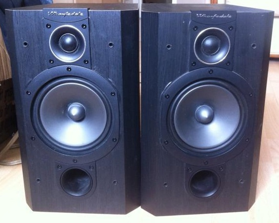 Wharfedale Vardus 100 Bookshelf Speakers