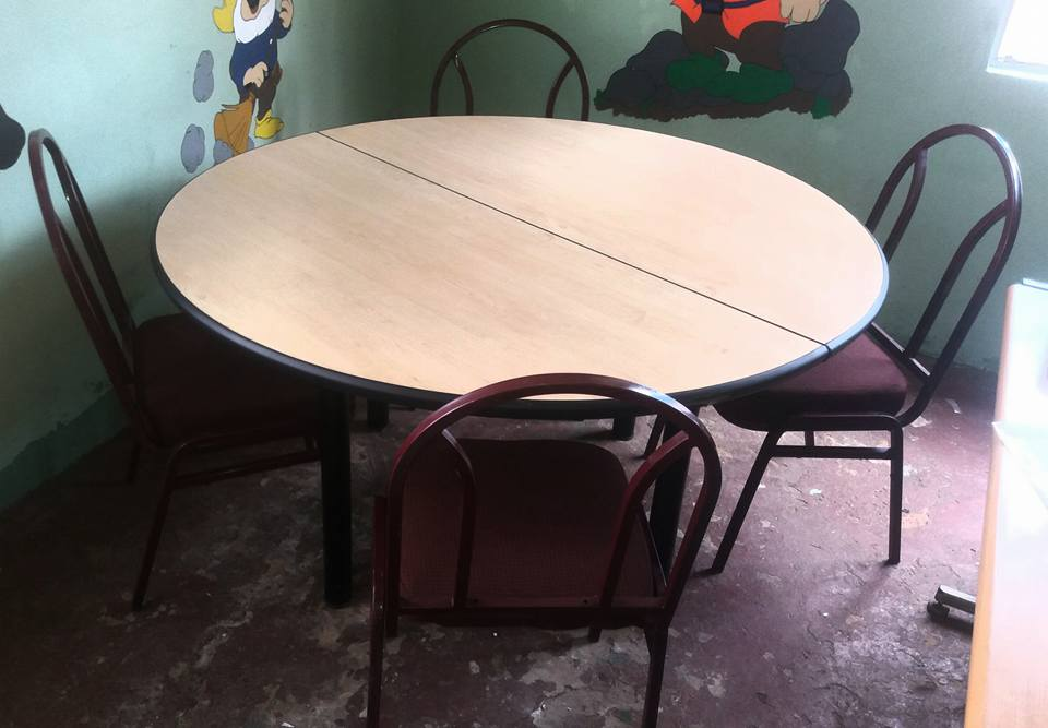 Round table with chairs for sale