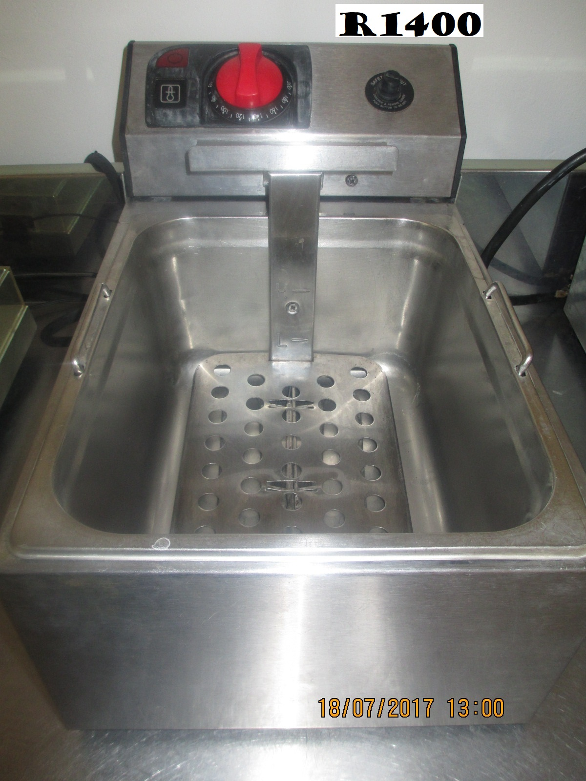 Single deep fryer - electrical R1400.00 - CATERING EQUIPMENT