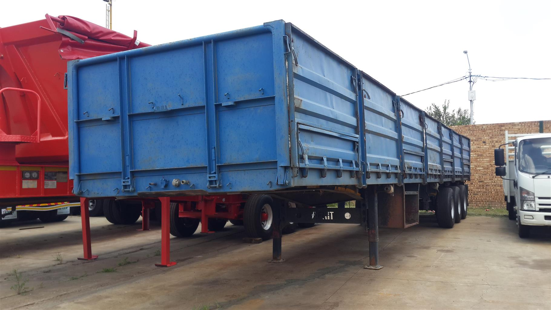 Afrit Dropside Tri-axle trailer for sale
