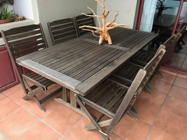 EIGHT SEATER WOODEN PATIO SET