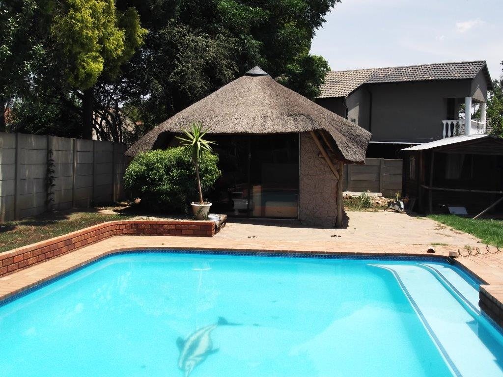Neat and Spacious Home Available 1st February 2018