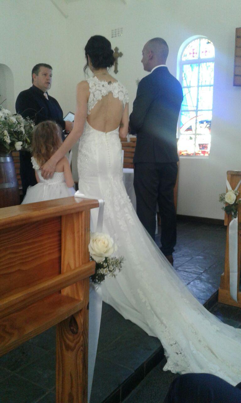 Stunning Erins Wedding Lab Wedding Dress for sale