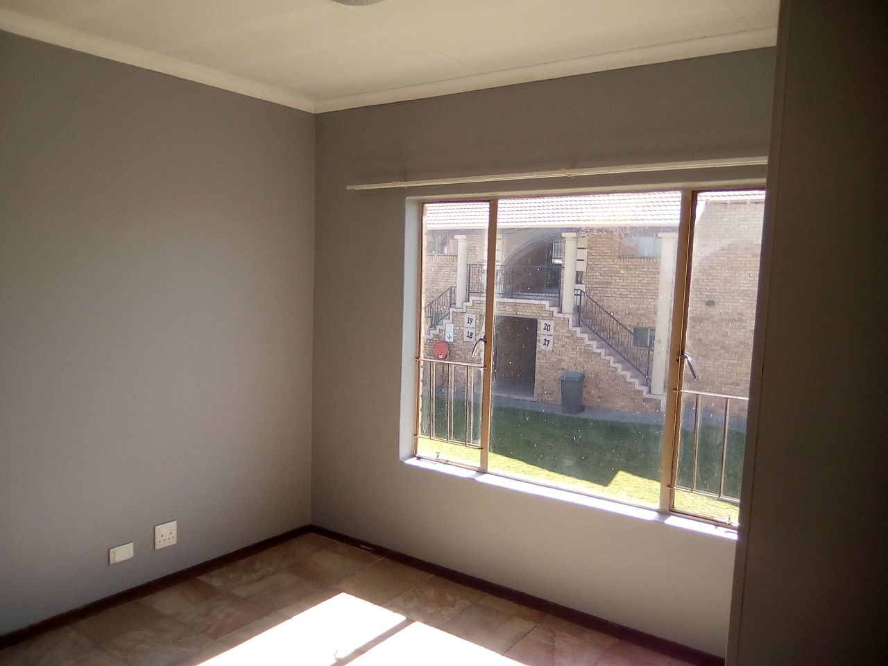 2 BED ROOM TOWNHOUSE  in Raven's Rock, Witfield/Riefontein , Boksburg