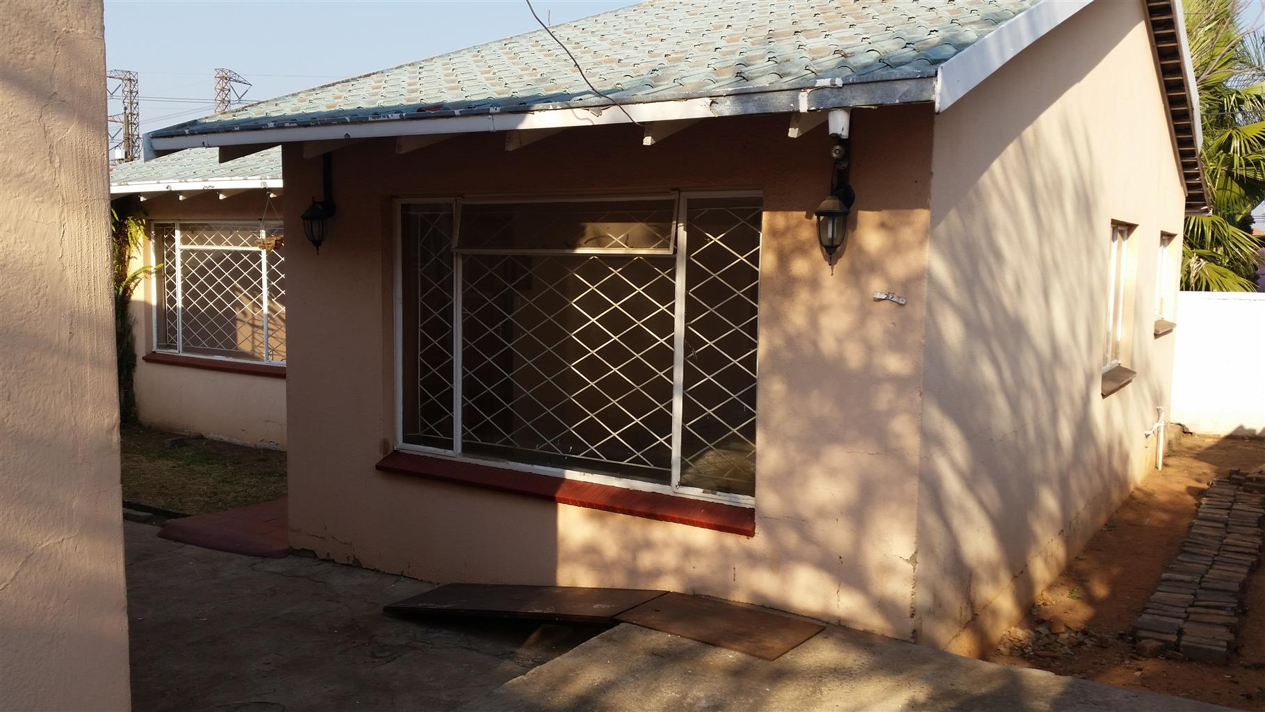 Two bedroom garden cottage for rent