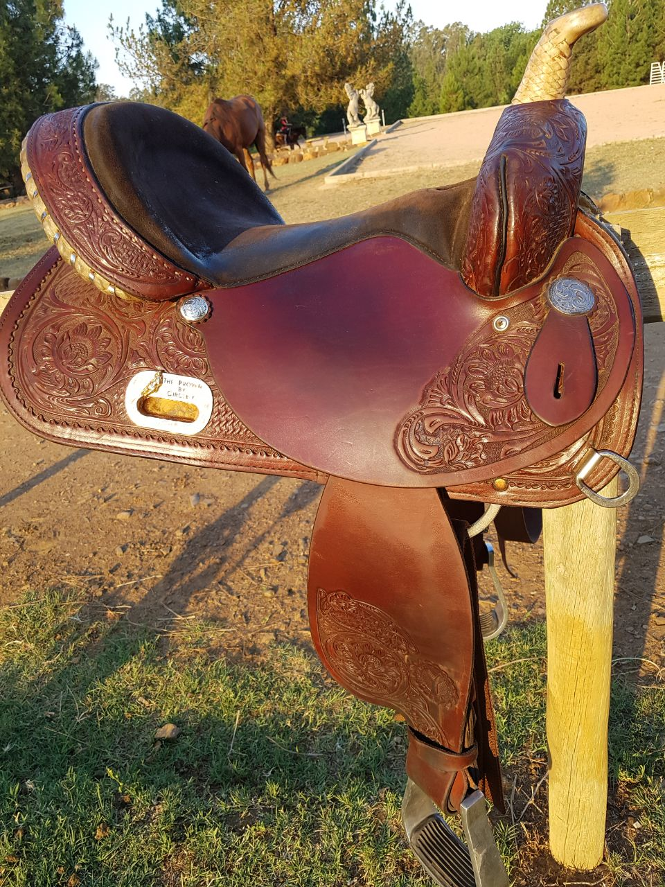 Quality Circle Y Western Saddle - Imported NEG!