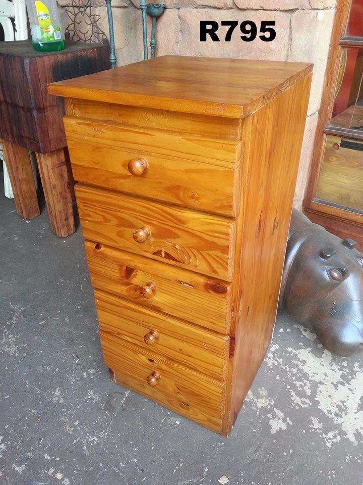 Wooden 5 drawer