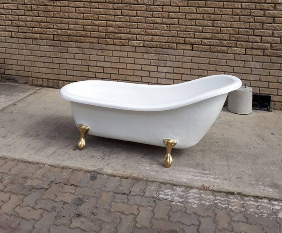 New fibreglass Victorian style baths | Junk Mail