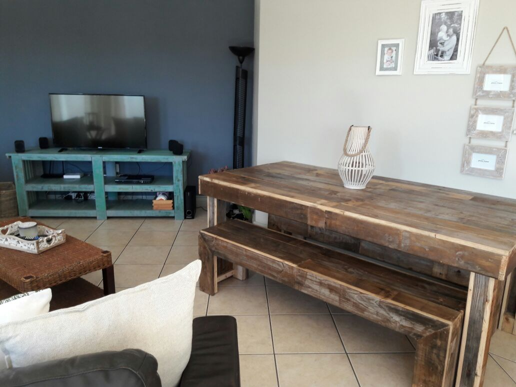 Beautiful and Unique Handmade Pallet Furniture