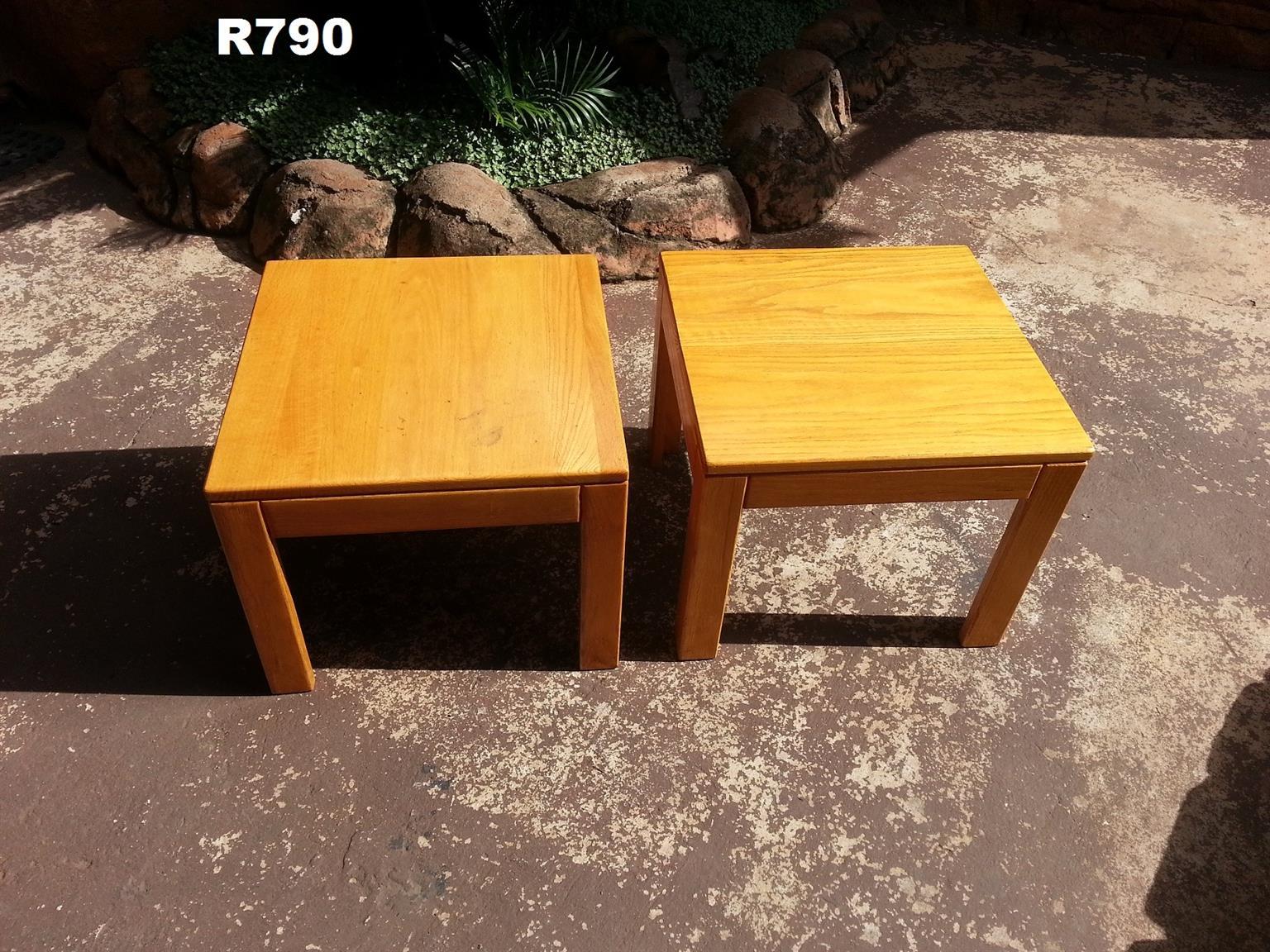 2 x Big Solid Oak Side Tables (500x500x410)