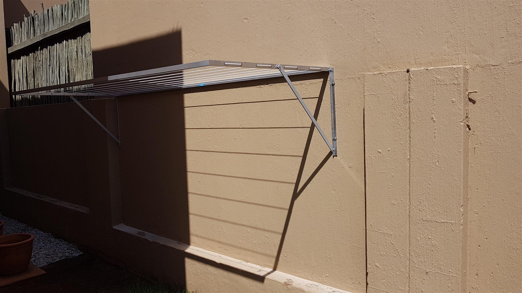 Aluminium fold away wash-line