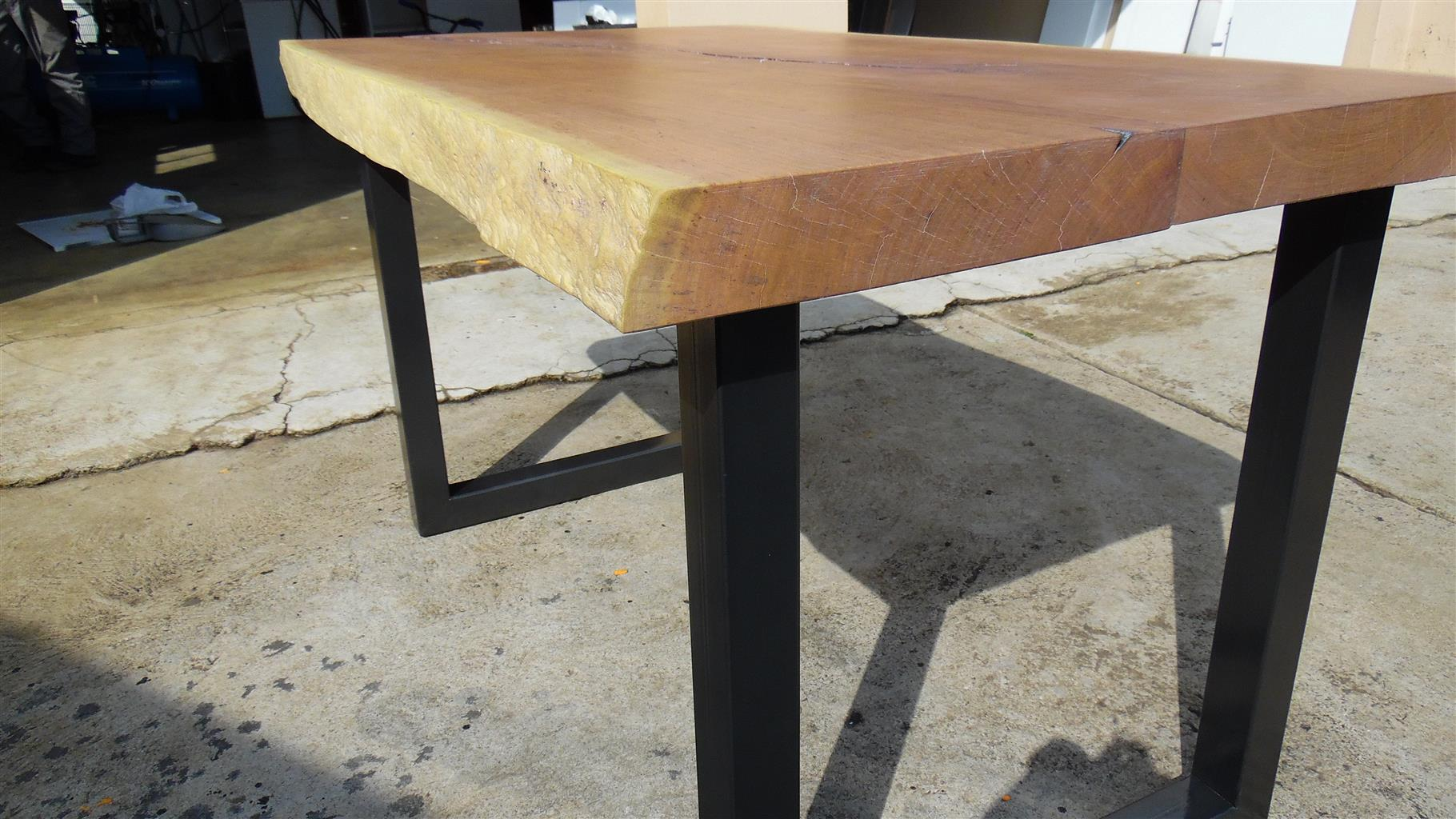 Life edge 4 Seater Table