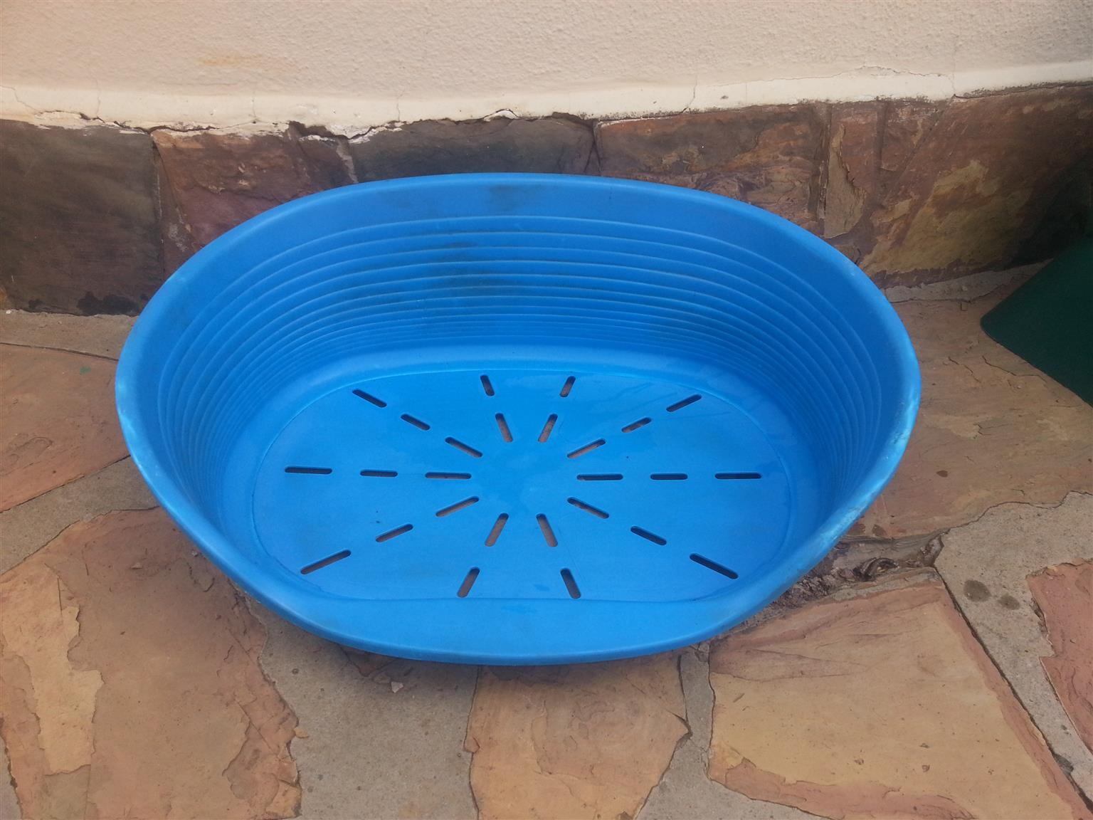 Plastic dog baskets