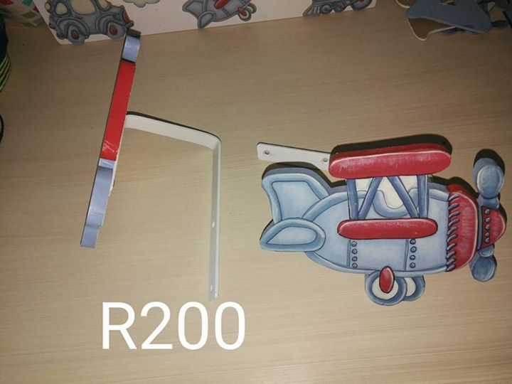 Wall mounted deco planes