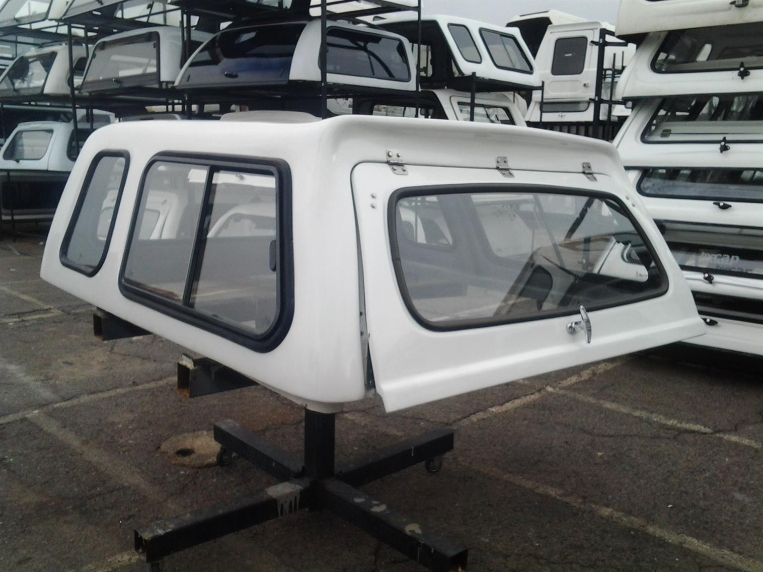 BARGAIN NOT TO BE MISS SA NISSAN NAVARA D/C CANOPY FOR SALE!!!!!!!!