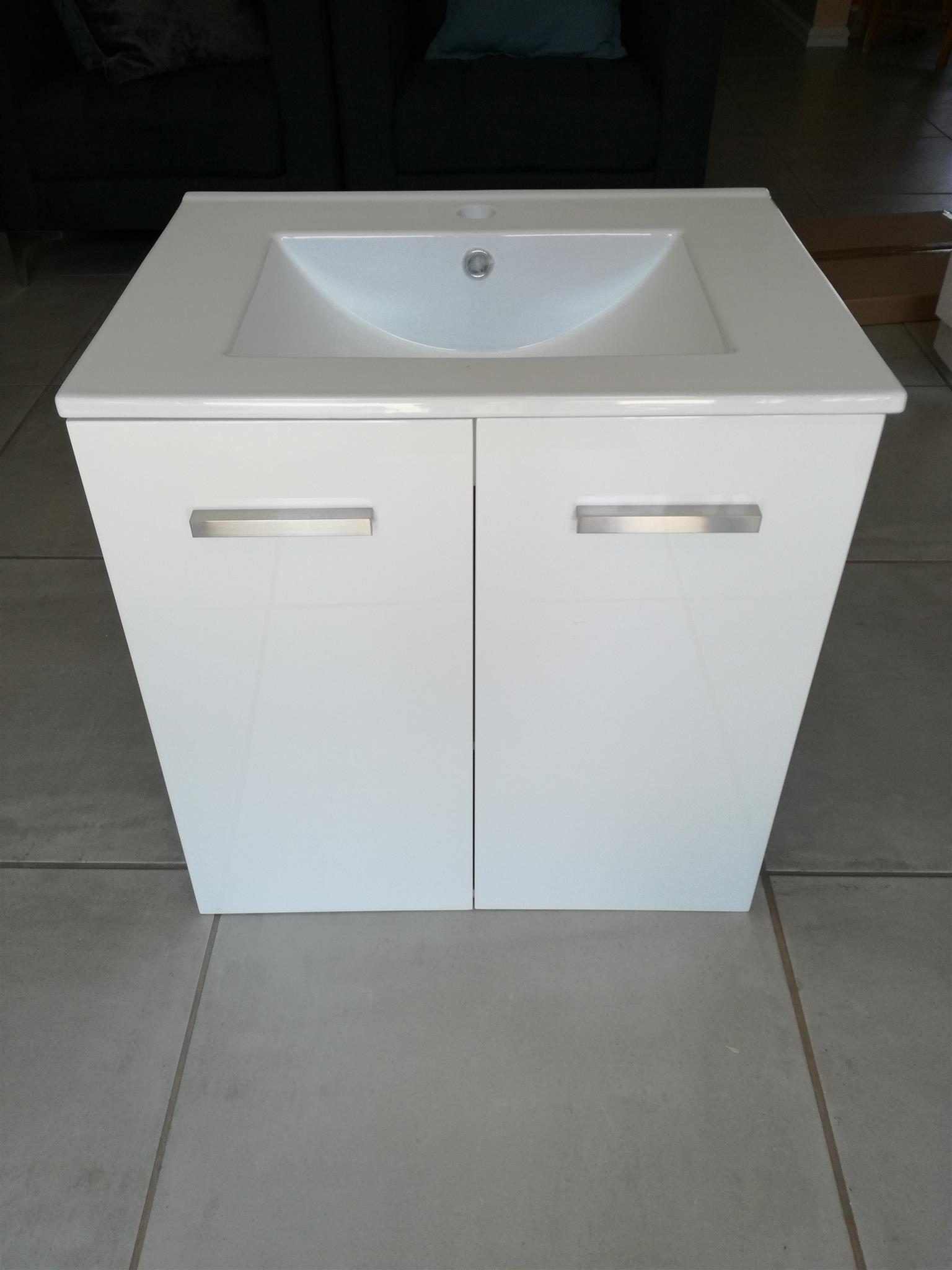 Wall hung Bathroom cabinet with sink and mirror