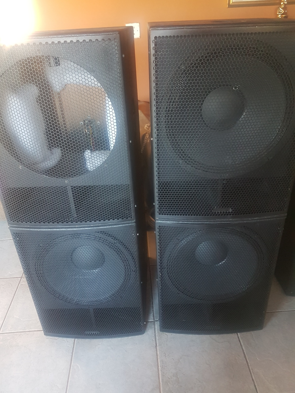 4 x American Audio 18B Bass Bins