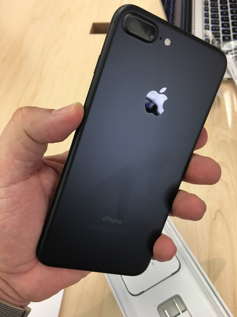 Original iPhone 7 plus,With Accessories. Still Sealed Up.