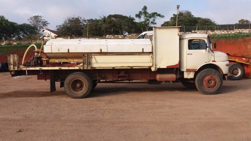 Mercedes 1113 Water tanker in working condition