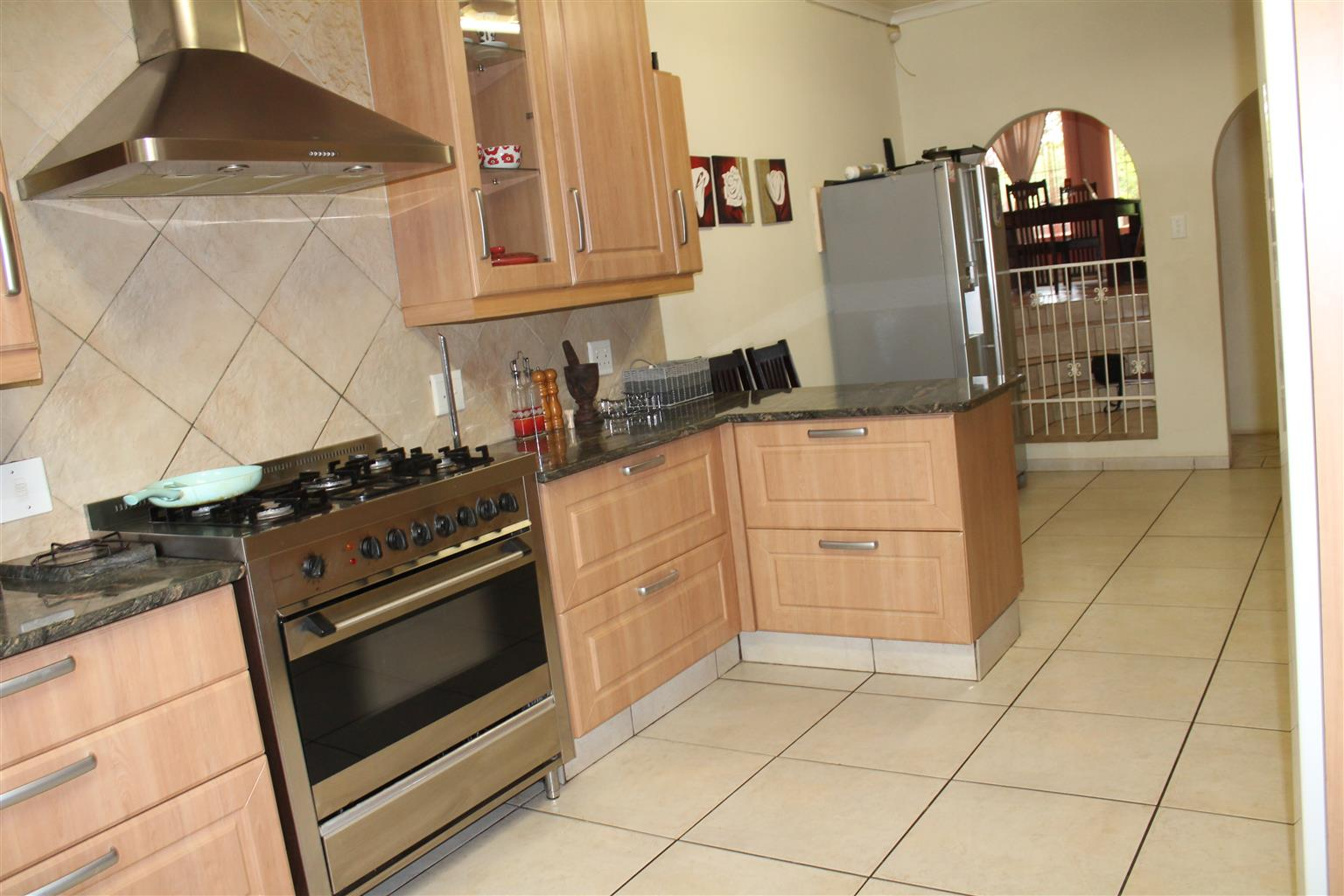 4 Bedrooms Family House with servant Quaters in Wingate Park