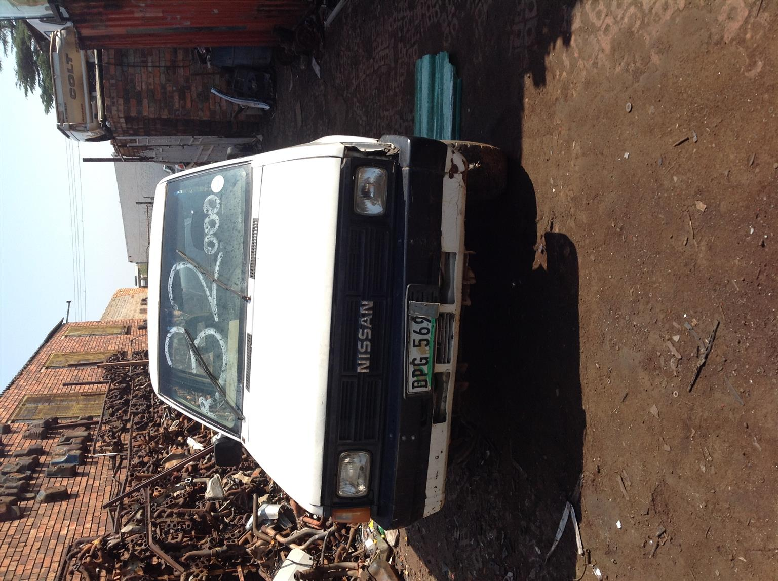 Stripping Nissan TD27 1Tonner 1995 for Spares