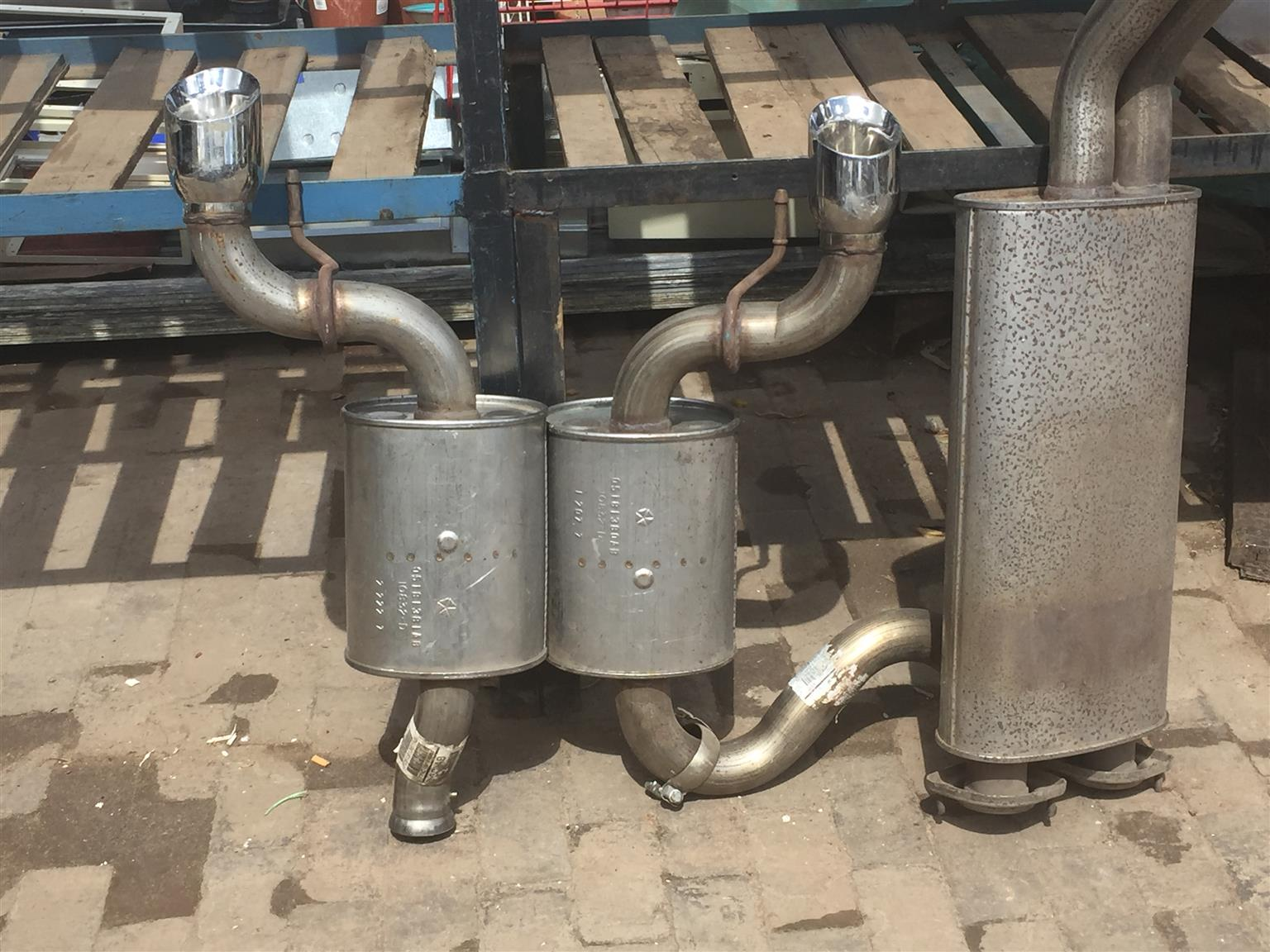 2008 Jeep SRT 8 Complete unused Exhaust system & airbox