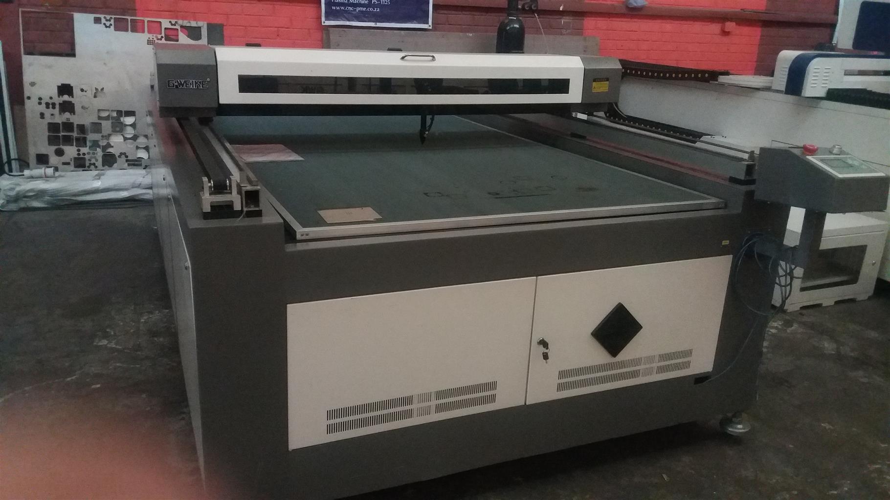 Kl 1.3mx2.5mx100w bigg open table laser macj