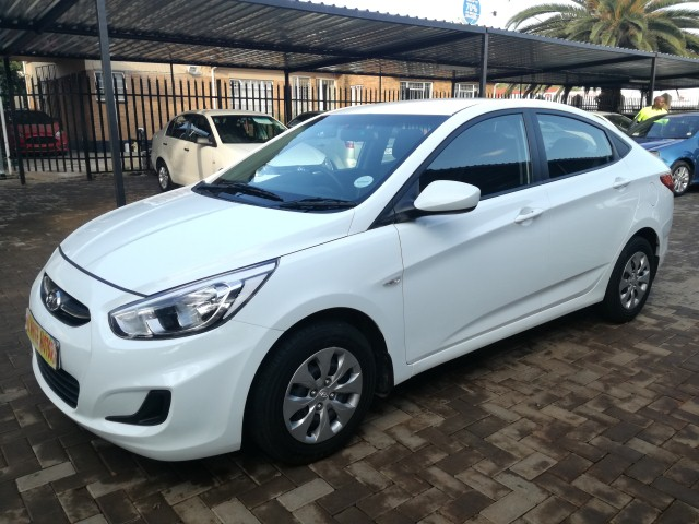 2016 Hyundai Accent sedan 1.6 Glide