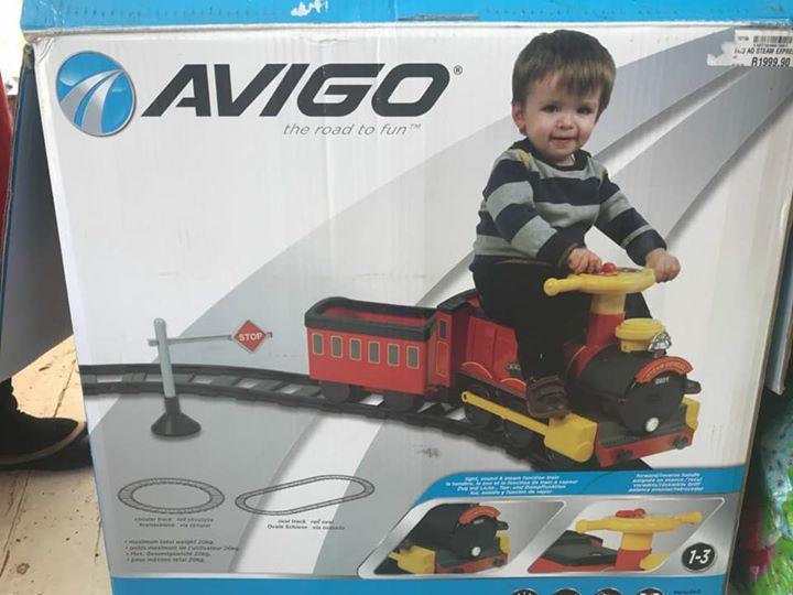 Avigo electric train plus all tracks