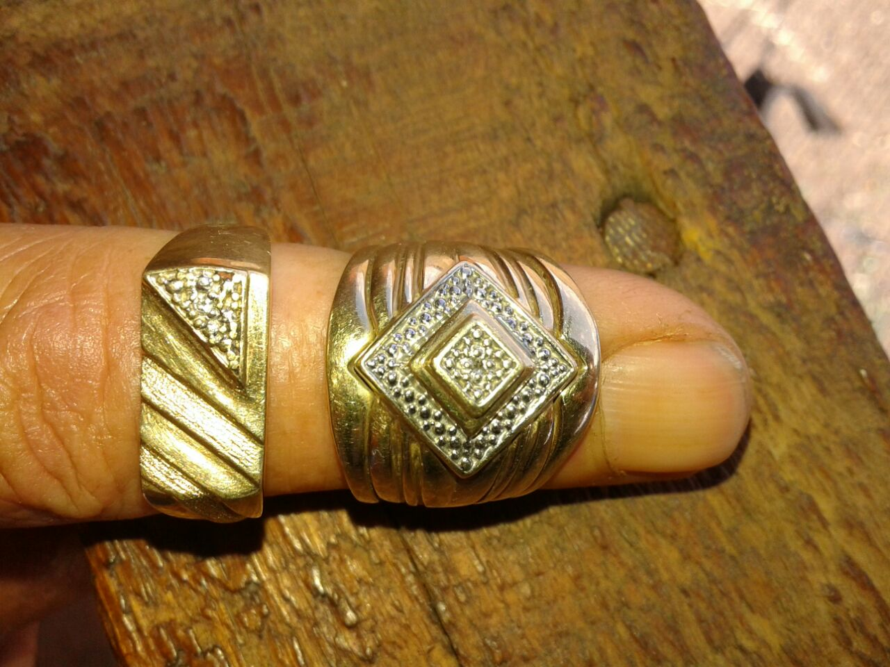 Gold wedding rings for sale