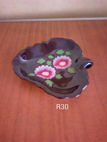 Brown leaf ashtray