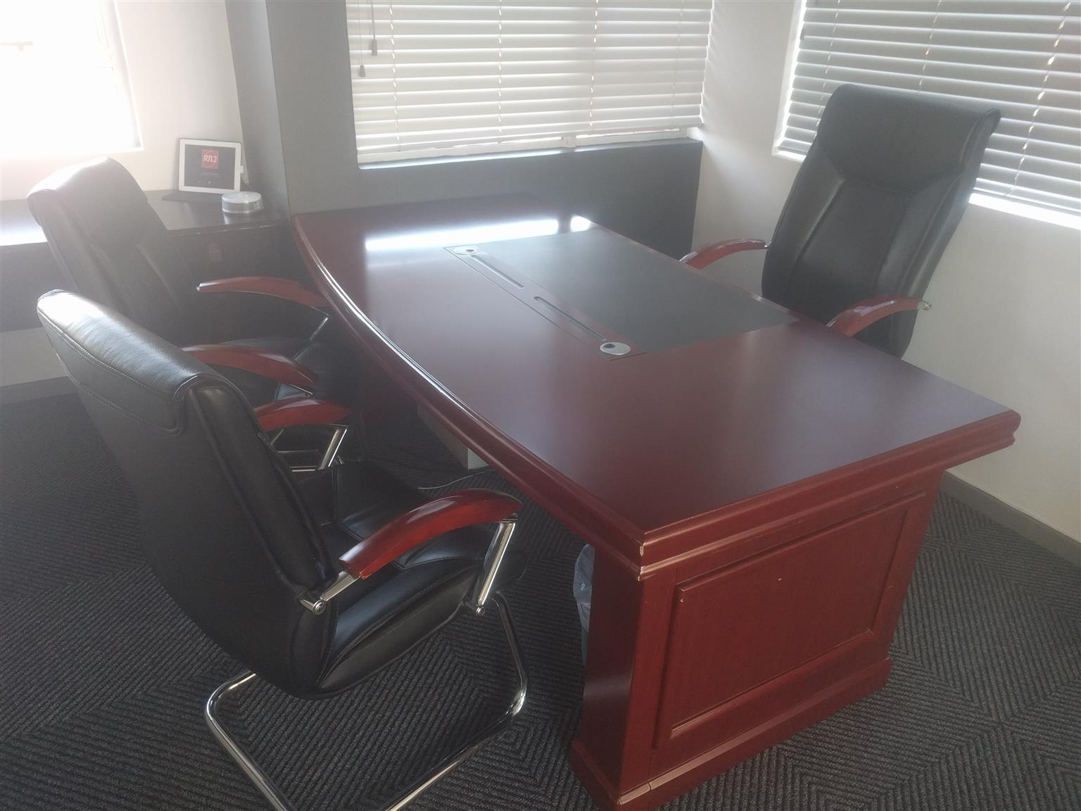 Executive Office Desk Suite 3 Chairs