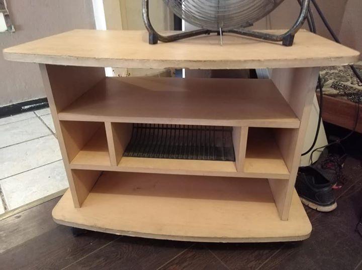 Light wooden tv stand