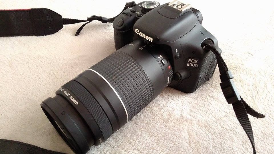Canon eos 600d with 2 lenses junk mail for Housse canon eos 600d