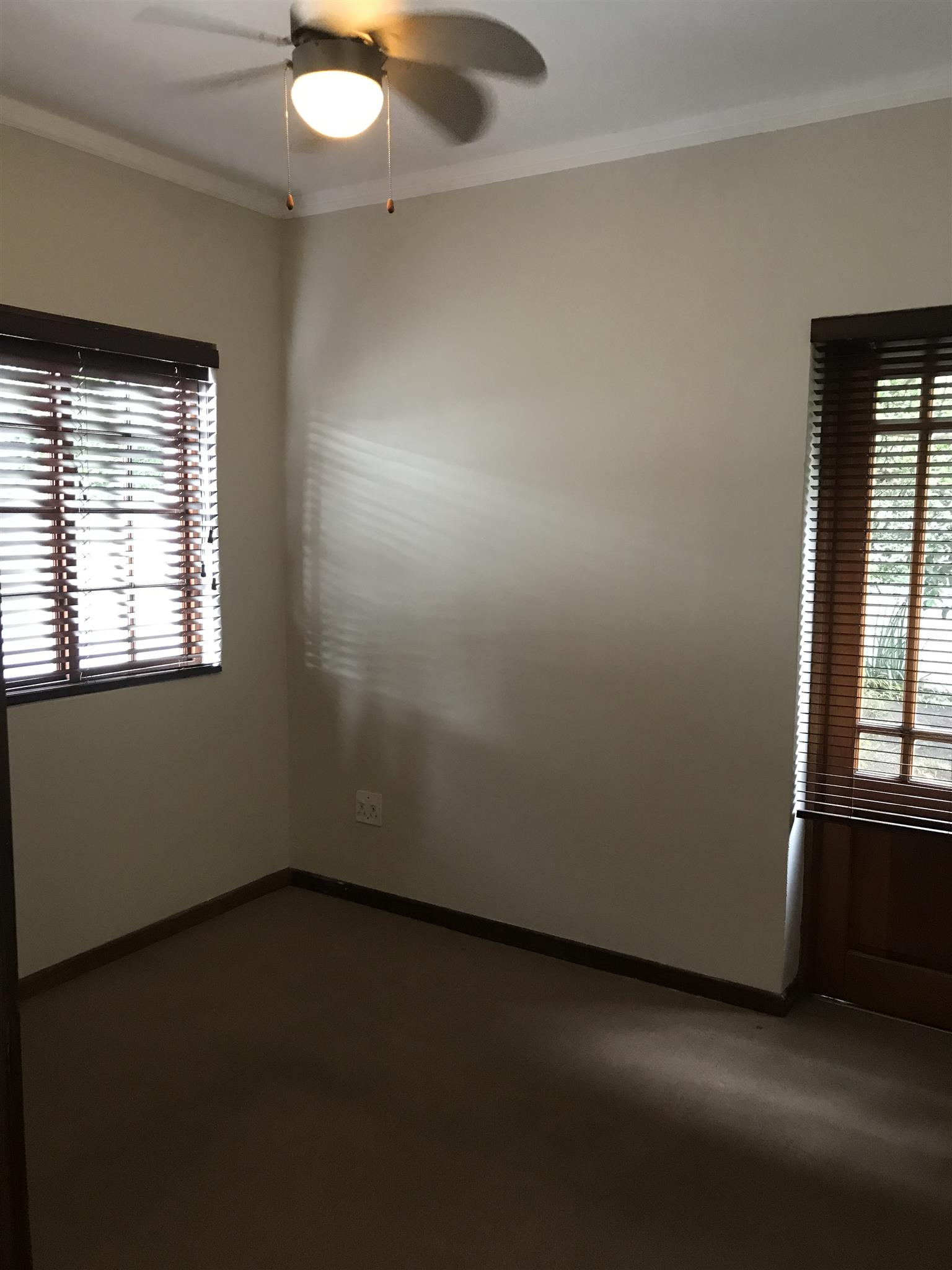 Two bedroom flat R5300 included water en lights.