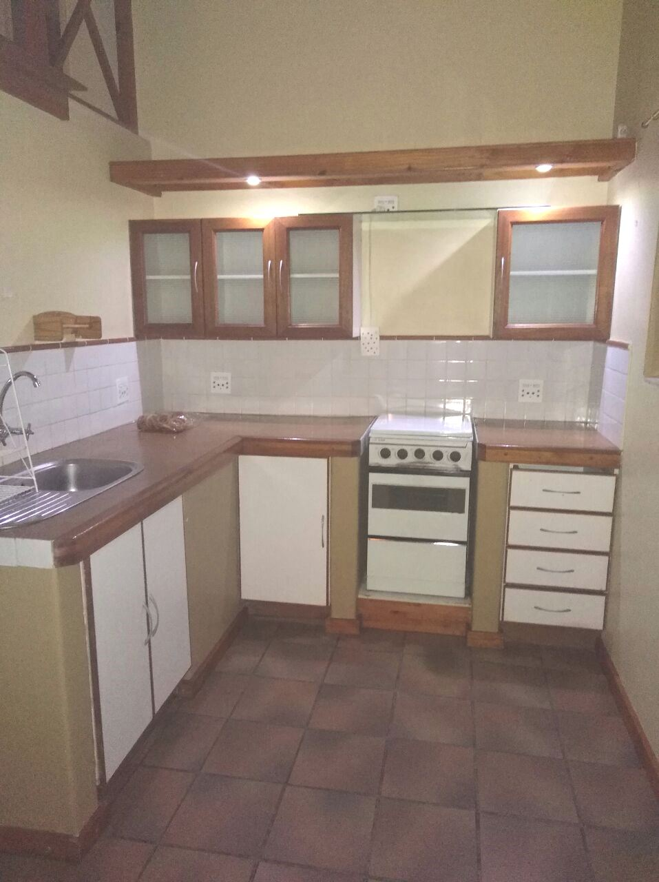 Mint condition - 1 Bedroom Loft flat to rent in Wonderboom-South
