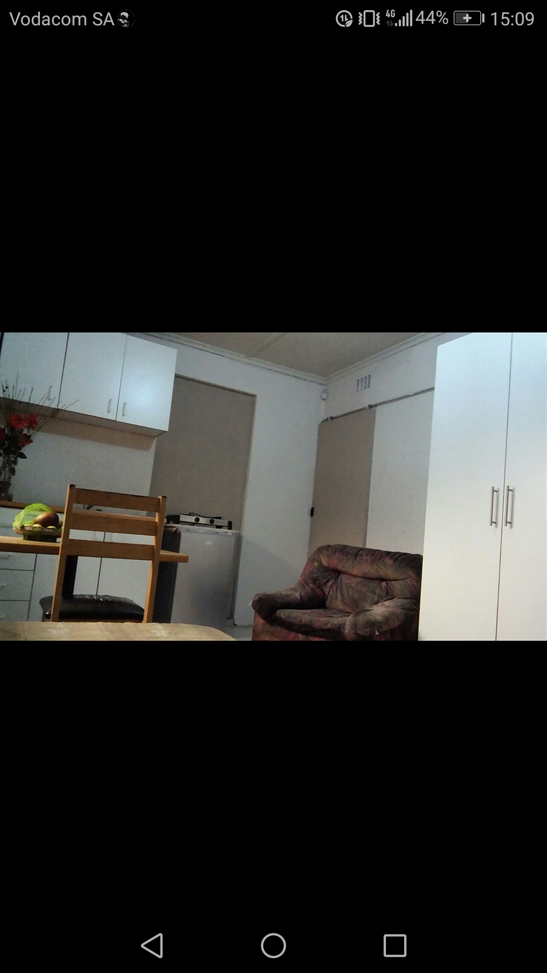 Furnished,1 bedroom student/separate entrance,spacious,SecureInBelthorn/Crawford