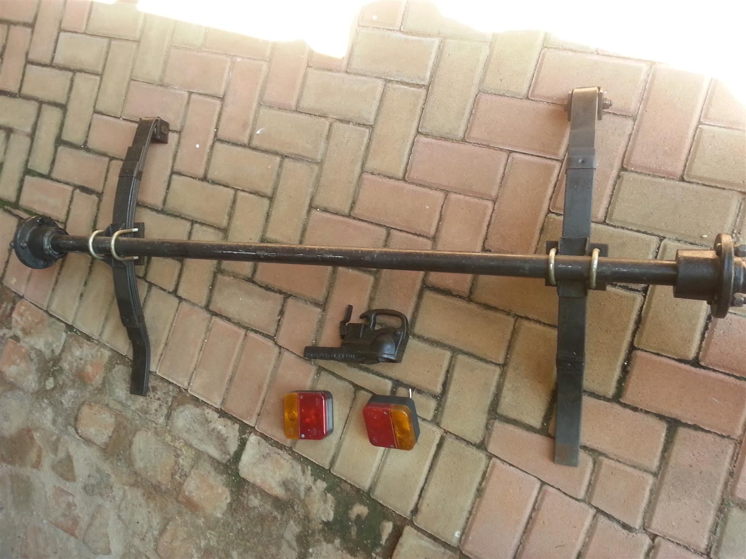 500 kg axle with lights, towing hitch, leaf springs.