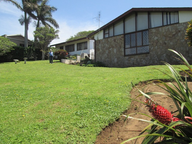 Uvongo home priced to sell - enjoy sea views