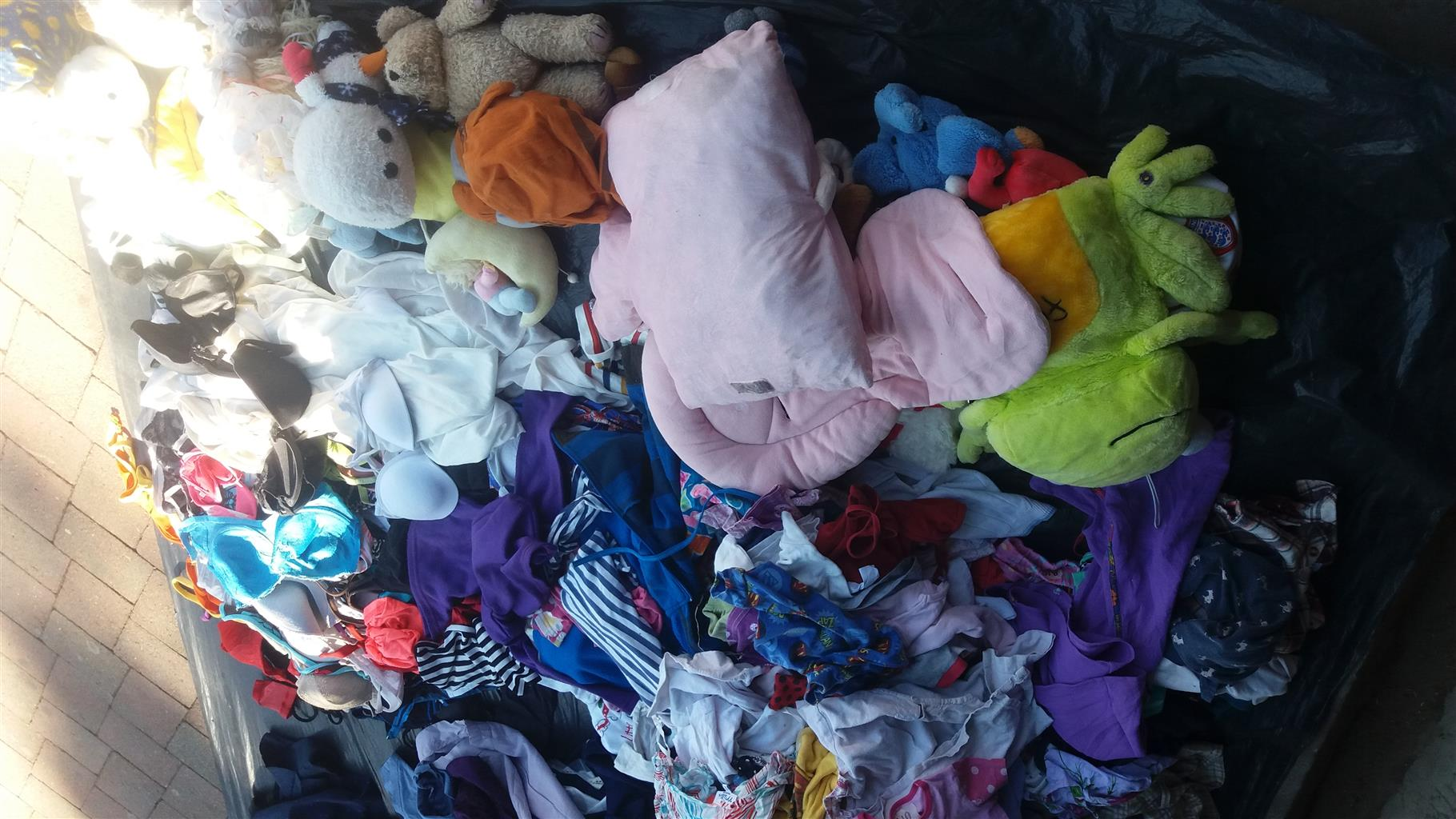 1000plus Clothes To Clear