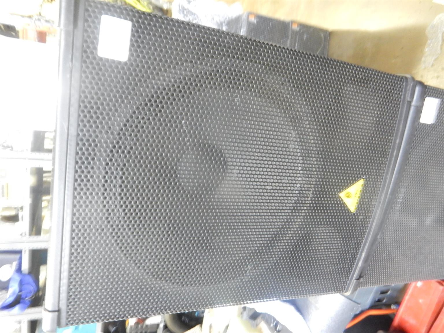 4 x Behringer Eurolive B1800X Pro Speakers