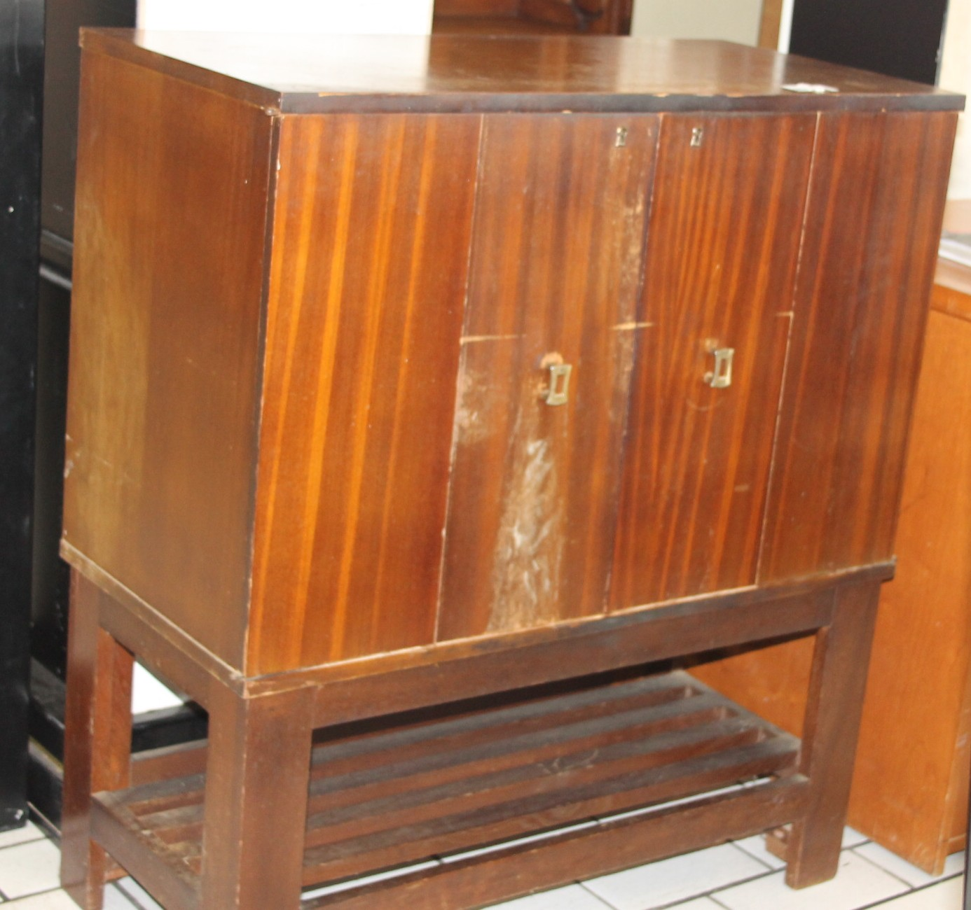 Brown cabinet S028849b  #Rosettenvillepawnshop