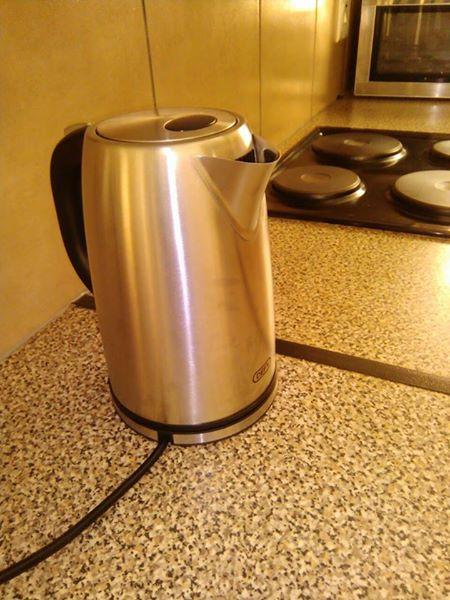 Silver defy kettle