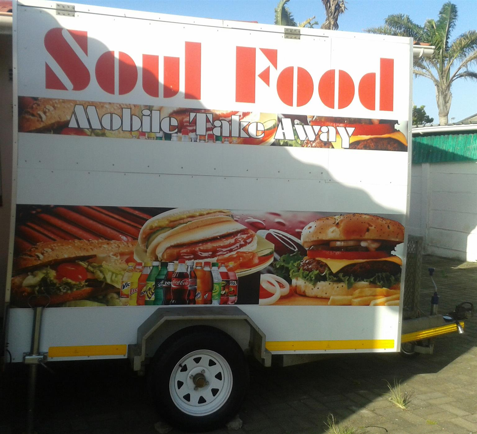 MOBILE FOOD KITCHEN TO RENT